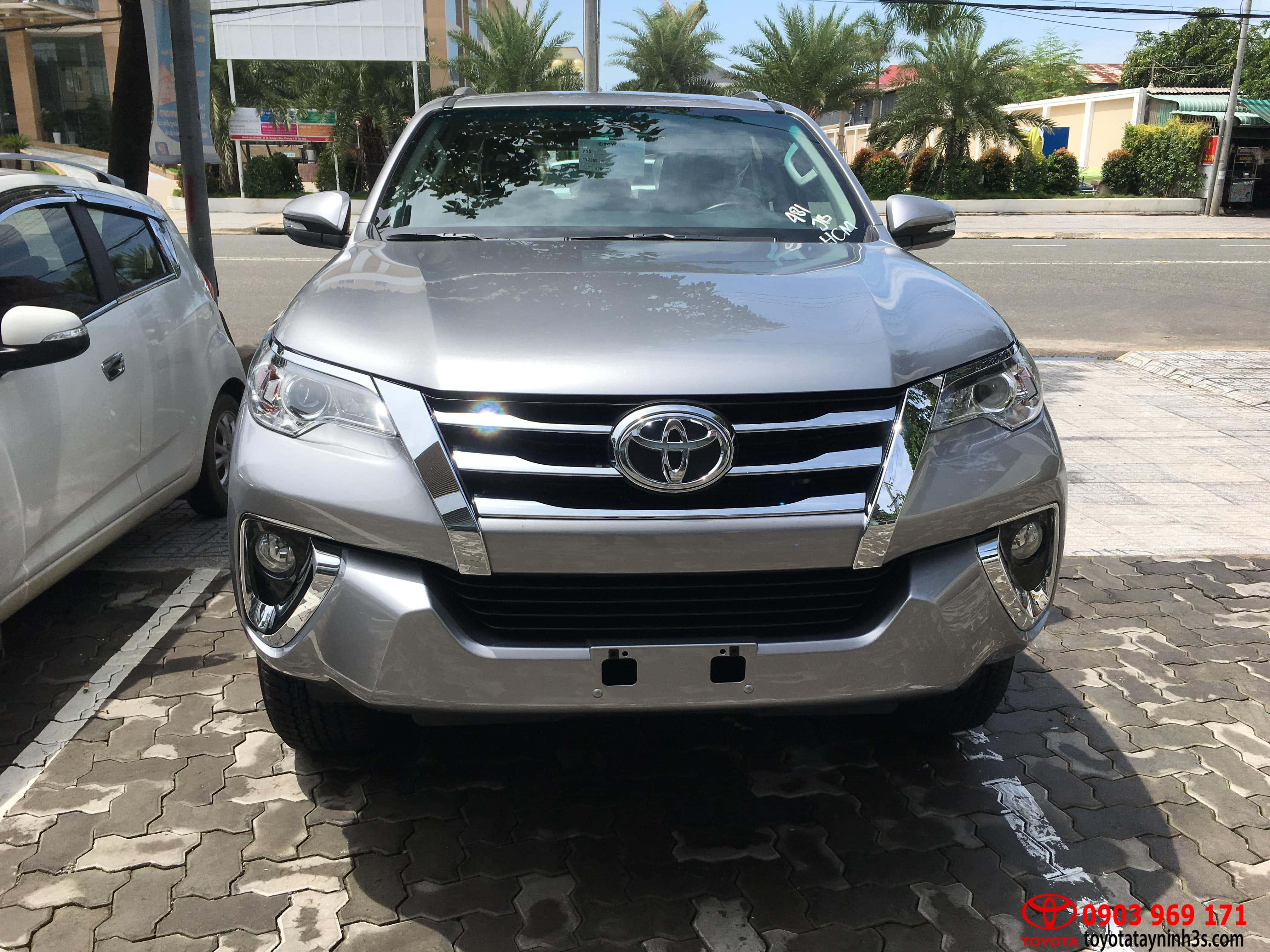 đầu xe toyota fortuner 2.7AT