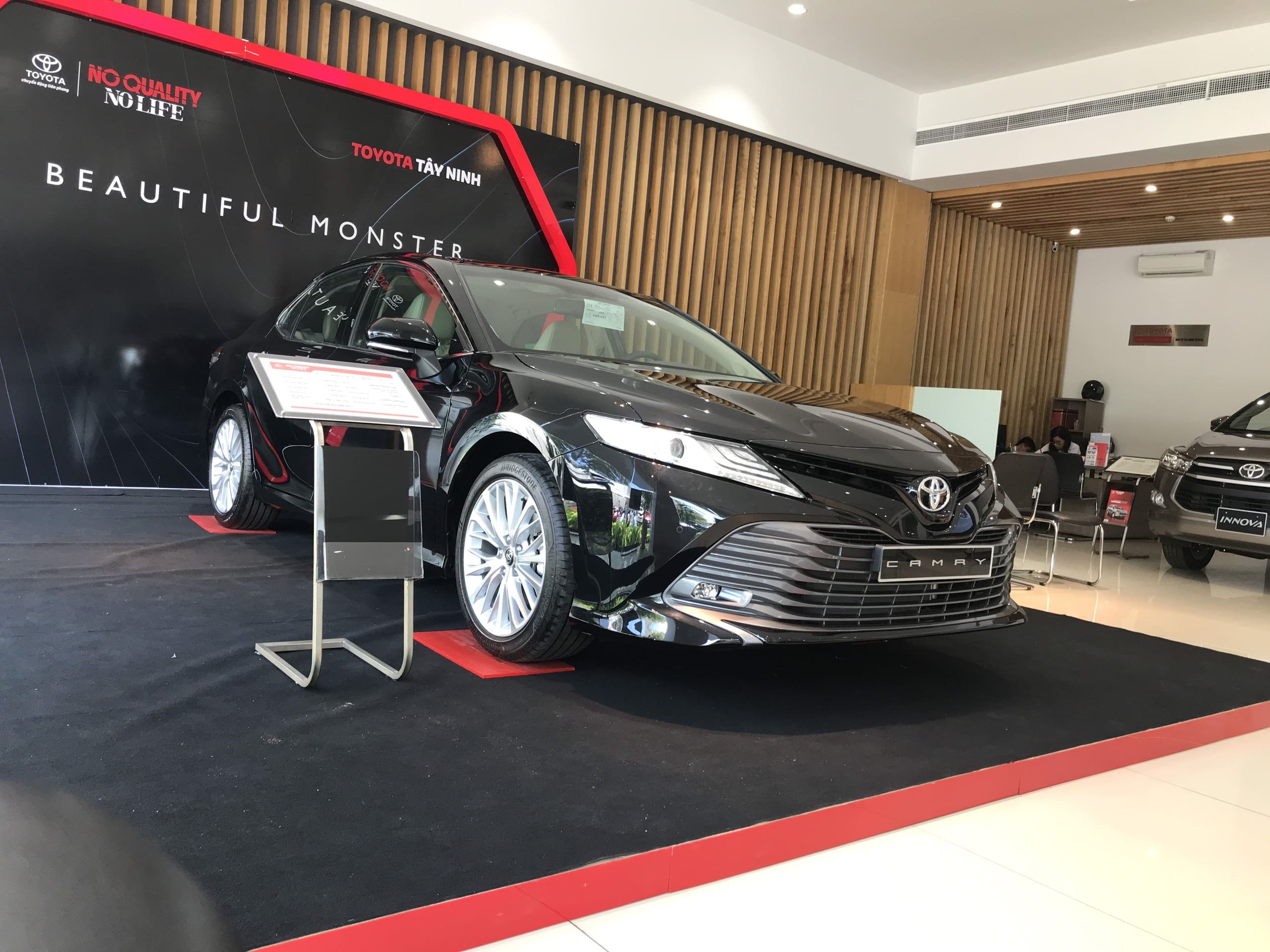 xe toyota camry 2020