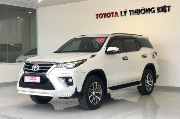 Toyota Fortuner 2.7AT 4x4 2017